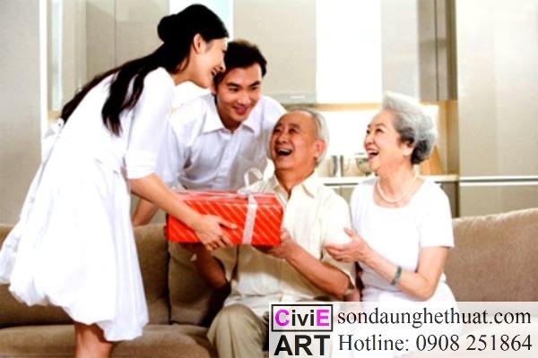 Tặng quà cho người già